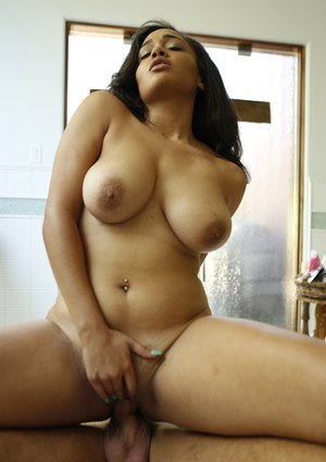 4712 big and busty porn
