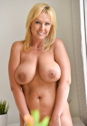 Big Boobs Tits Milf