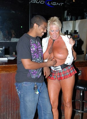 Swingers meeting places in michigan