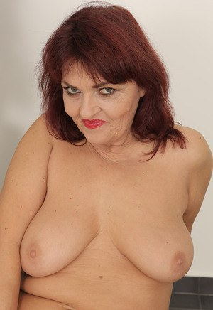 Busty MILF Ugly Porn Pics