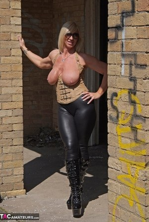 Busty MILF Boots Porn Pics