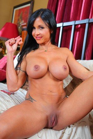 Busty MILF Shaved Porn Pics